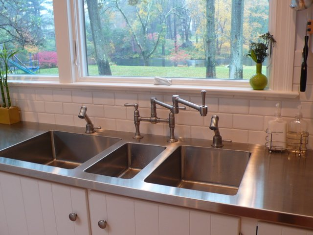 Exceptionnel Stainless Steel Kitchen Countertop With 3 Sinks Welded In