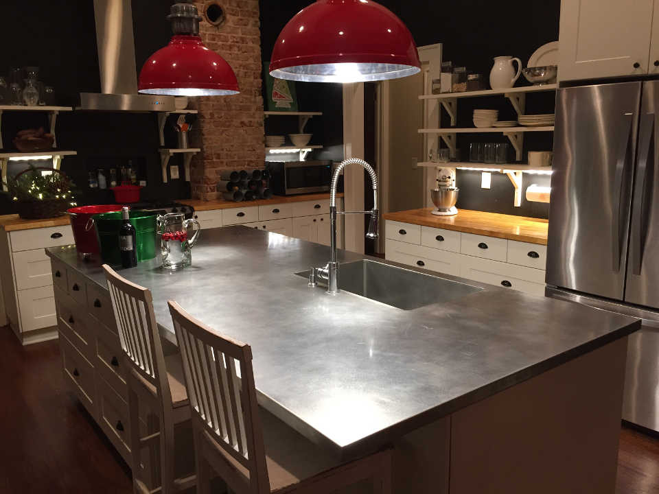 Superbe Stainless Steel Island Countertop With A Sink